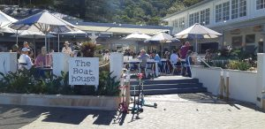 Patonga Boathouse Hotel has recently been renovated and now very popular and noisy. A kiosk is available for take-away-dishes.